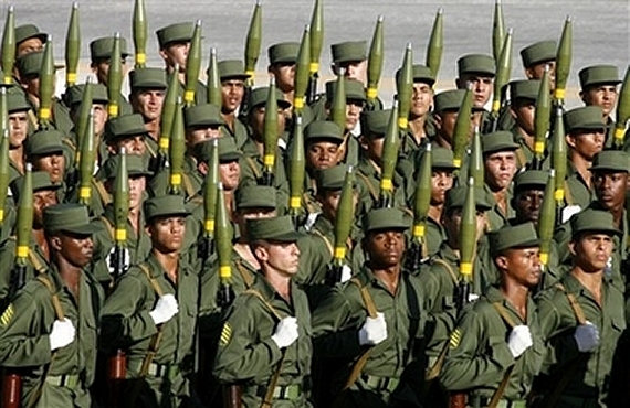 Armée Cubaine / Cuban Revolutionary Armed Forces Cuban_soldiers_news_02122006_002