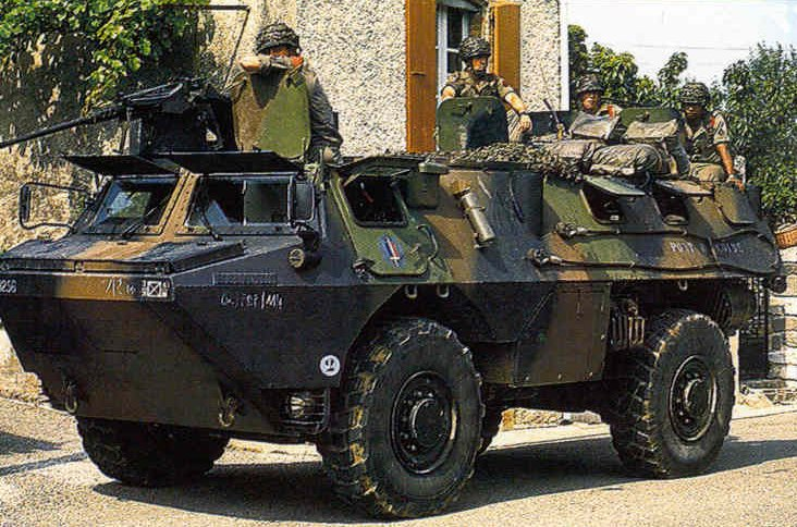 http://www.armyrecognition.com/europe/France/vehicules_a_roues/VAB/VAB_France_14.jpg