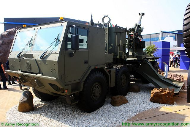 T5-45 155mm truck-mounted 8x8 wheeled self-propelled howitzer Denel Land Systems South Africa African defense industry 640 001