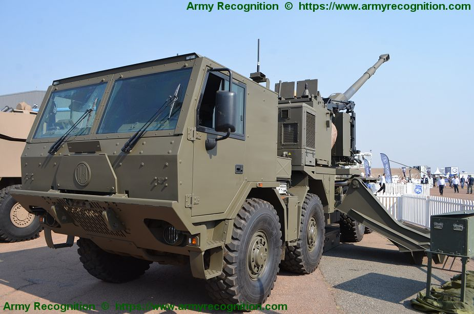 International debut for Denel T5 52 155mm truck mounted gun AAD 2018 South Africa 925 001