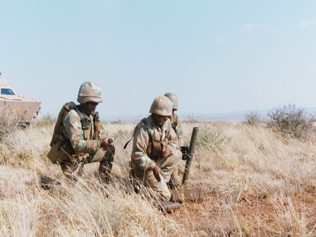 Soldier_Combat_Uniforms_armyrecognition_South_africa_army_002.jpg