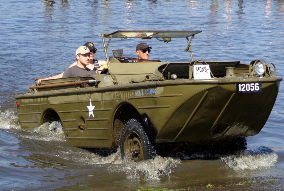New fast amphibious 4x4 vehicle to equip Chinese special forces 3