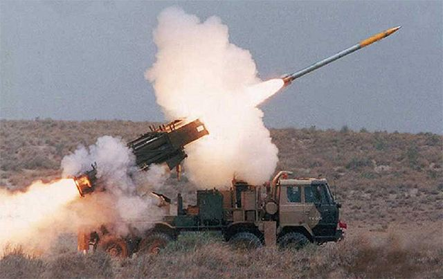 EJERCITO INDIO Pinaka_MRLS_MLRS_multiple_launch_rocket_launcher_system_Indian_India_army_DRDO_defence_industry_military_technology_003