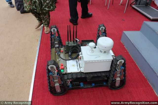At Defexpo 2014, the Indian Defense Compnay Hi-Tech Robotic Systemz presents its new CBRN Mini UGV Unmanned Ground Vehicle especially designed to perform missions in CBRN (Chemical, Biological, Radiological & Nuclear) environment.