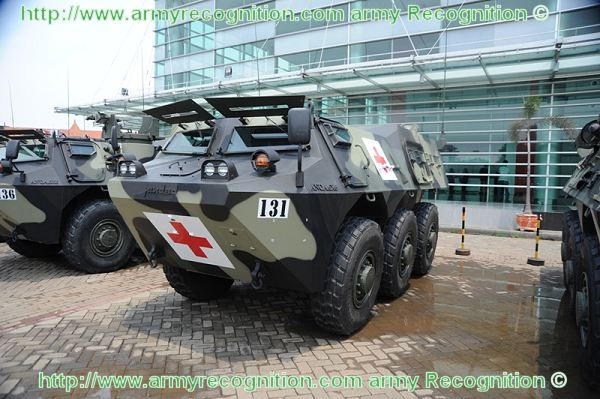 Pindad ambulance medical support wheeled armoured vehicle for battle field Indonesia Indonesian army