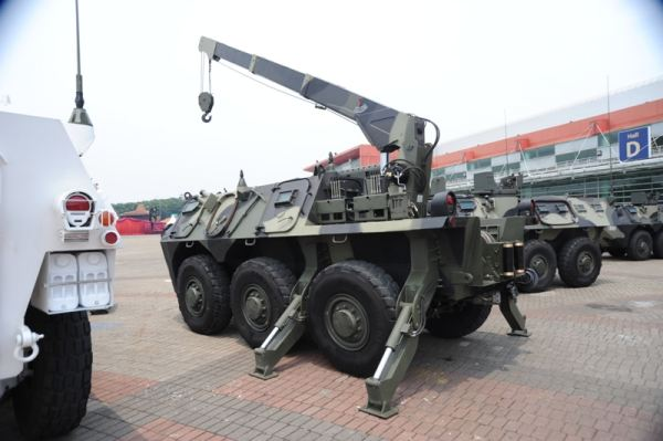 Pindad ARV wheeled armoured recovery vehicle Indonesia Indonesian army
