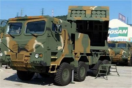 Chunmoo K MLRS K239 mult caliber launch rocket system South Korea Korean army defense industry front view 001
