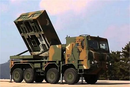 Chunmoo K MLRS K239 mult caliber launch rocket system South Korea Korean army defense industry right side view 001