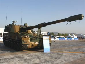 K9 thunder self propelled howitzer 155 MM right side