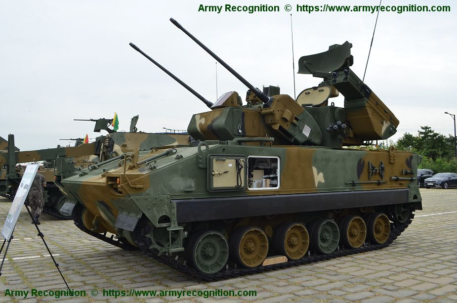 Upgraded Biho 30mm missiles air defense armored vehicle in service with ROK army 925 001