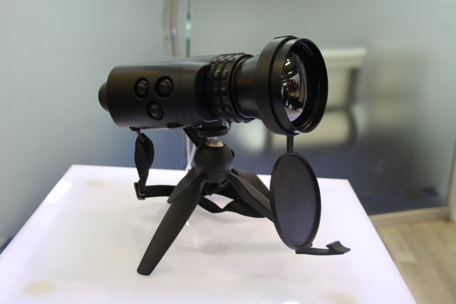 Pakistani Shibli presents its Skua-LR thermal binocular at IDEAS 2016 001