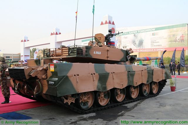 At IDEAS 2016, the Colonel Rizwan Rasul from Heavy Industries Taxila has announced the development of a new version of the Pakistani-made main battle tank (MBT) Al-Khalid. Currently the Al-Khalid 1, the second generation of this tank is the backbone of the Pakistani Armed Forces.