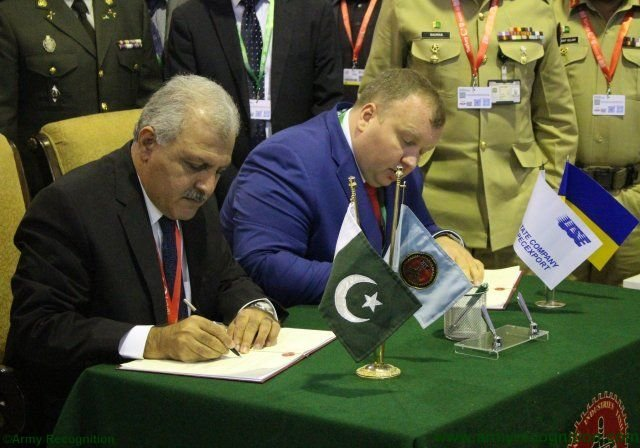 IDEAS 2016 HIT and Ukrspecexport sign MoU for upgrading Al Khalid MBT engine 640 001