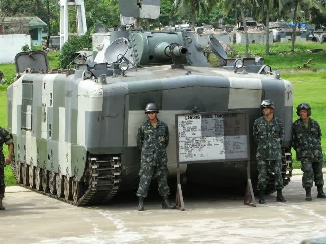 Philippines launches new bid for 8 amphibious assault