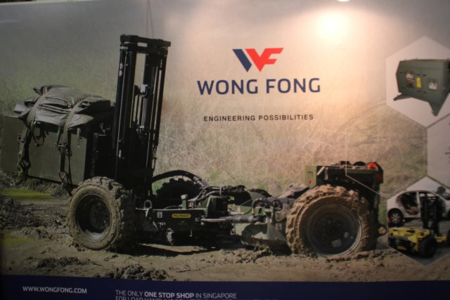 Singaporian company Wong Fong presents new remote controlled field loader Crayler during APHS 2015 640001