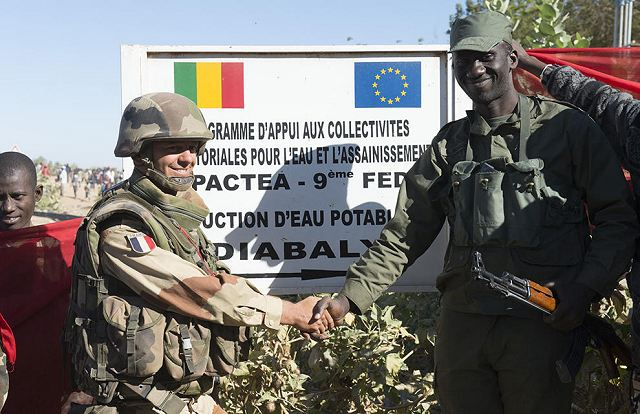 The French Ministry of Defence confirmed that the cities of Diabaly and Douentza are now under the control of the Malian troops since Monday morning, January 21, 2013. Malian armed forces will be supported by the French soldiers based in Niono and Mopti-Sévaré to recapture the cities. Cities occupied by the Islamist rebels are located respectively from 400 and 800 km northeast of the capital Bamako