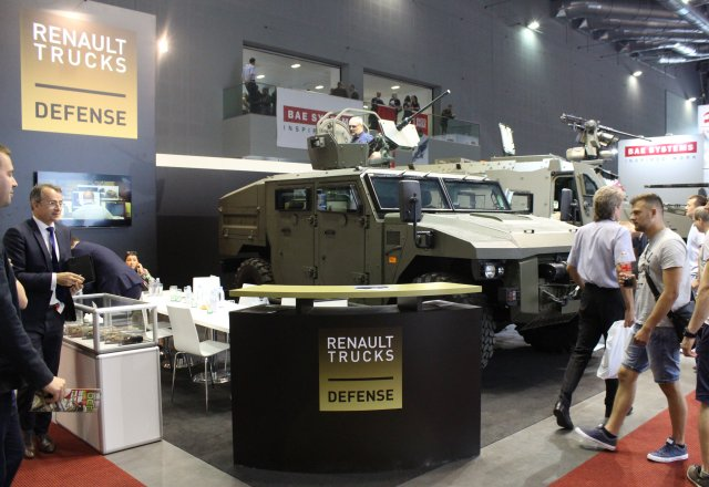 Renault Trucks Defense showcases its Sherpa Light Scout and its Bastion HM at IDET 2017 IDET 2017 001