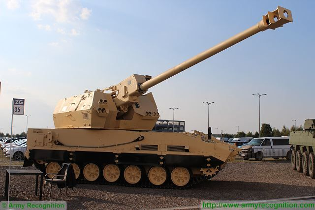 Diana 155m tracked self-propelled howitzer MSPO 2015 defense exhibition Kielce Poland 640 002