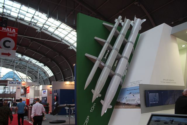 IMI Israel PREDATOR HAWK long-range tactical missile MSPO 2015 defense exhibition Kielce Poland 640 001