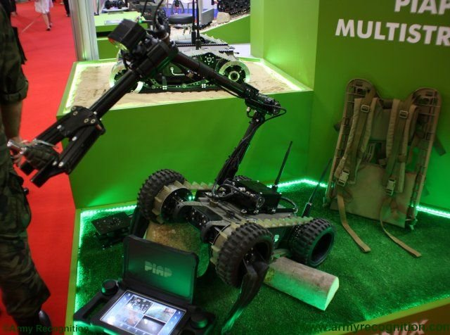 PIAP unveils the new Fenix lightweight reconnaissance robot at MSPO 2015 640 001