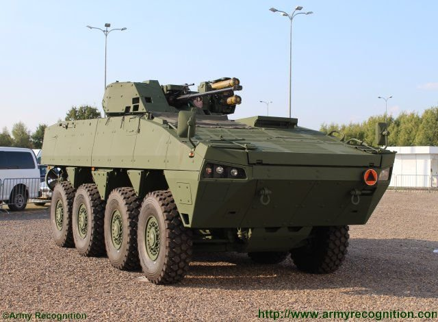 The Scipio project Rosomak and EVPU introduce jointly made armored vehicle at MSPO 2015 640 001