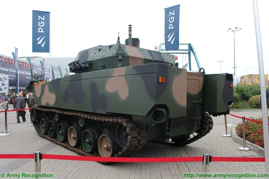 Borsuk Badger amphibious IFV HSW MSPO 2017 defense exhibition Kielce Poland 925 002