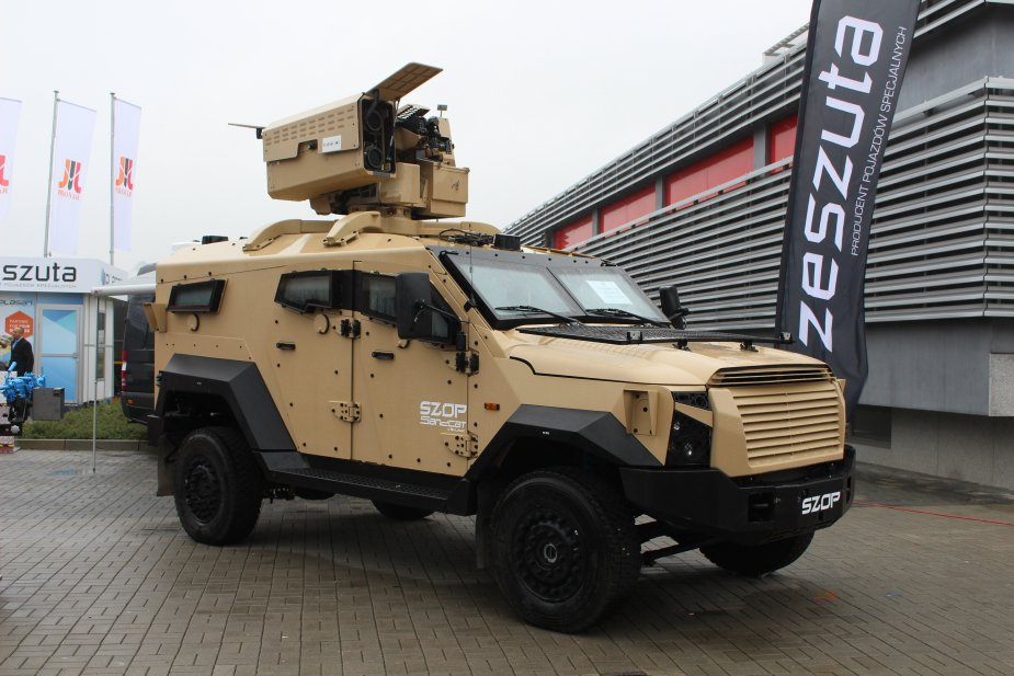 Plasan showcases its Sandcat 4x4 light protected vehicle at MSPO 2017 925 001