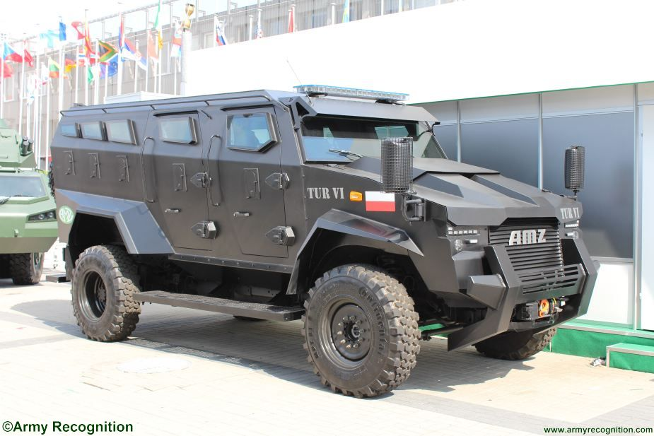 AMZ new armored patrol vehicle MSPO 2018 001