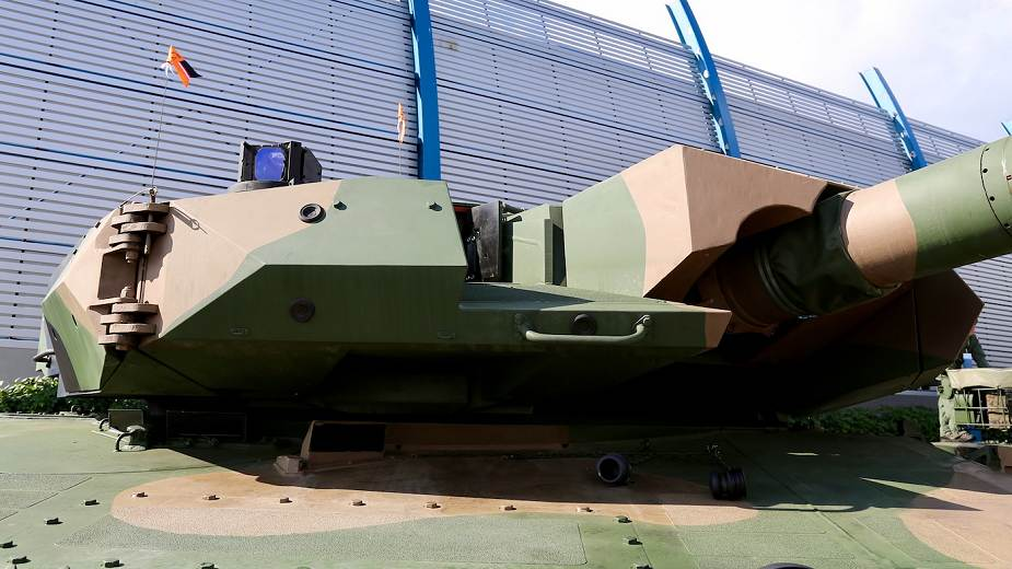 Polish army unveils Leopard 2PL tank MBT modernized version of 2A4 version MSPO 2020 925 002