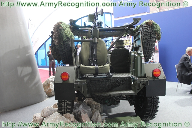 The LPU-1 use the technolgy of an open-top vehicle with one 180° circular ring mounted weapon station which can be armed with a 12.7mm machine or one 40mm automatic grenade launcher. One 5.56 mm machine gun can be mounted at the rear of the vehicle.