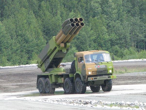 http://www.armyrecognition.com/images/stories/east_europe/russia/artillery_vehicle/9a52-4_tornado/pictures/Tornado_CV_9A52-4_MRLS_Multiple_Rocket_Launcher_System_Kamaz-6350_truck_Russia_Russian_army_010.jpg