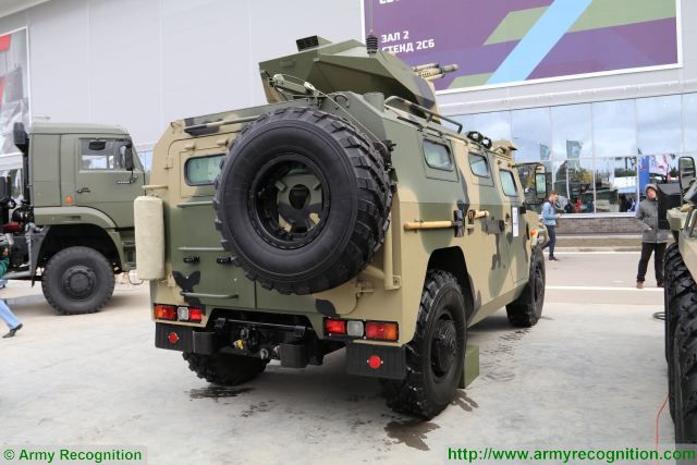 Infantry Mobility Vehicles - Page 9 Russian_Company_VPK_unveils_new_unmanned_Tigr_4x4_armoured_vehicle_with_30mm_cannon_640_002