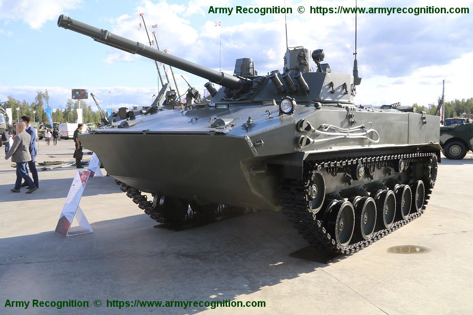 190 BMD 4M airborne IFVs and Rakushka BTR MDM APCs for Russian airborne troops 925 002