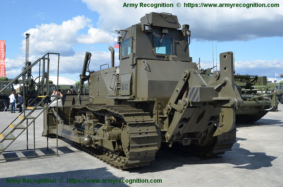 New UVZ armored bulldozer B10M2S for Russian army Army 2018 defense exhibition Russia 925 002