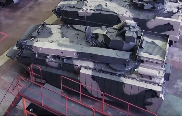 A video from a Russian Auto magazine releases first images of the Kurganets-25 BREM, the armoured recovery vehicle variant of the Kurganets-25 family. It looks similar to the Kurganets-25 BTR and BMP in appearance but with some specific features to repair or evacuate damaged vehicles.