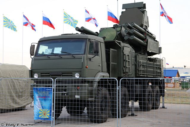 Pantsir-S2 Pantsyr-S2 air defense missile system anti-aircraft gun Russia Russian army 640 001