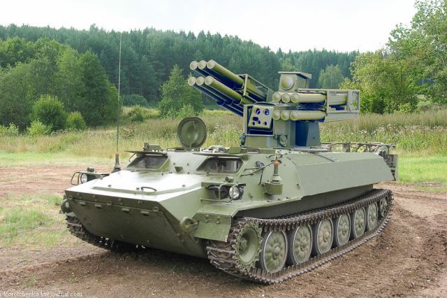 Sosna_air_defense_missile_system_on_trac