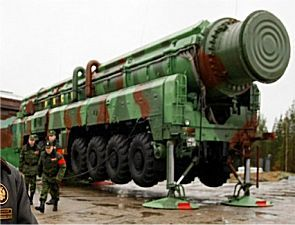 SS-25 RT-2PM Topol Sickle RS-12M intercontinental ballistic missile Russian Army Russia data sheet description identification pictures