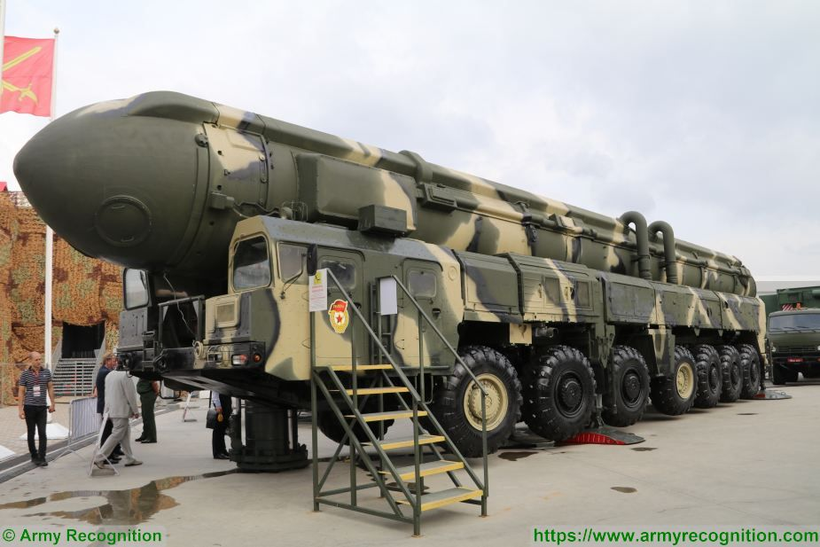 Topol SS 25 Sickle RS 12M RT 2PM ICBM InterContinental Ballistic Missile Russia Russian army 925 001