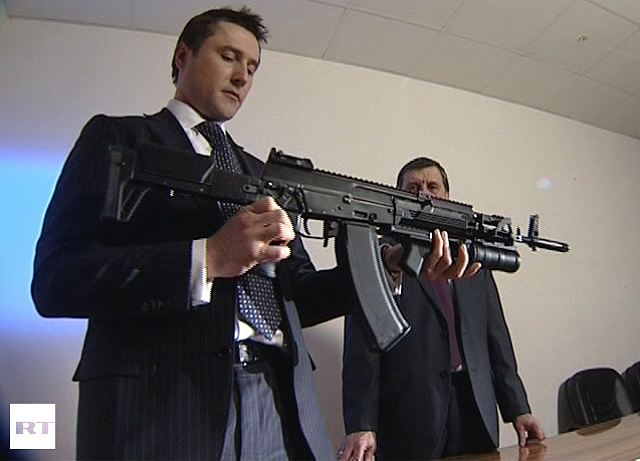 The new AK-12 Kalashnikov assault rifle, which was unveiled in Russia in the middle of February 2012, meets the requirements of Russian customers. Furthermore, the new rifle has good chances to succeed on the foreign market, the designers of the legendary weapon say. According to them, the new Kalashnikov proves that the maker of the rifle has changed its line of conduct and started listening to complaints.