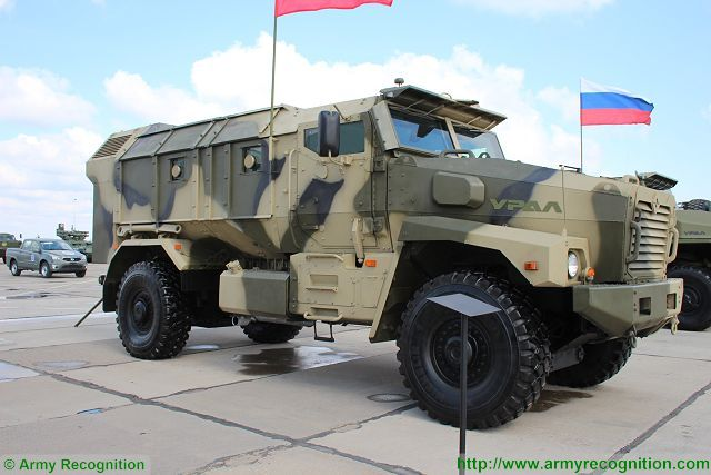 Typhoo-U Ural-63095 typhoon multi-purpose 6x6 armoured truck Russia Russian defence industry military technology 010