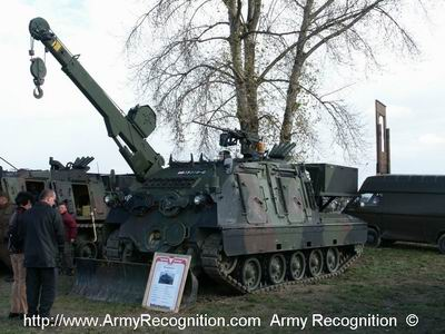 La Logistique des FAR / Moroccan Army Logistics - Page 11 4kh7fa_sb_20_Greif_arv_light_tracked_armoured_recovery_vehicle_Austrian_Army_Austria_003