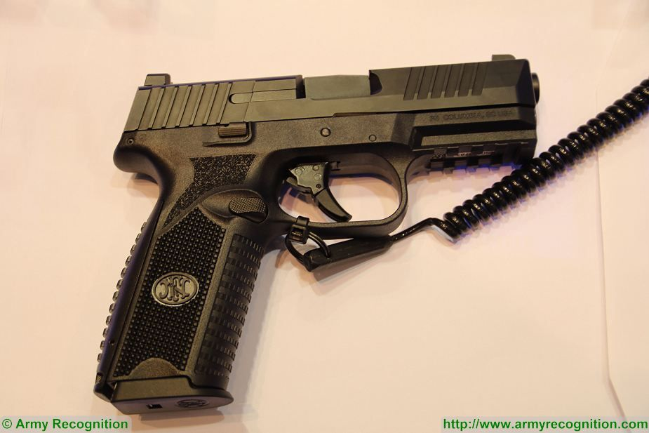 FN 509 9x19mm caliber NATO Semi automatic double action pistol FN Herstal Belgium 925 003