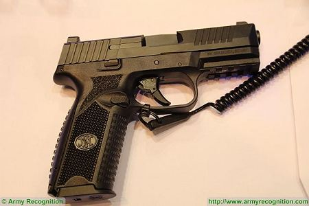 FN 509 9x19mm caliber NATO Semi automatic double action pistol FN Herstal Belgium right side view 002