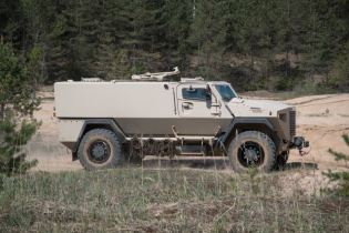 GTP 4x4 SISU modular wheeled armored vehicle APC Finland Finnish defense industry right side view 001