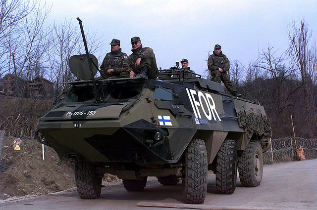 EJERCITO DE FINLANDIA XA-180_Sisu_wheeled_armoured_vehicle_personnel_carrier_Finnish_army_Finland_017