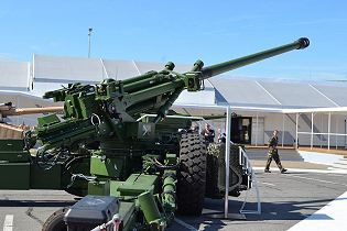 Trajan 155mm 52 caliber towed gun artillery technical data sheet specifications pictures video information description intelligence identification Renault Trucks Defense France French army defence industry military technology