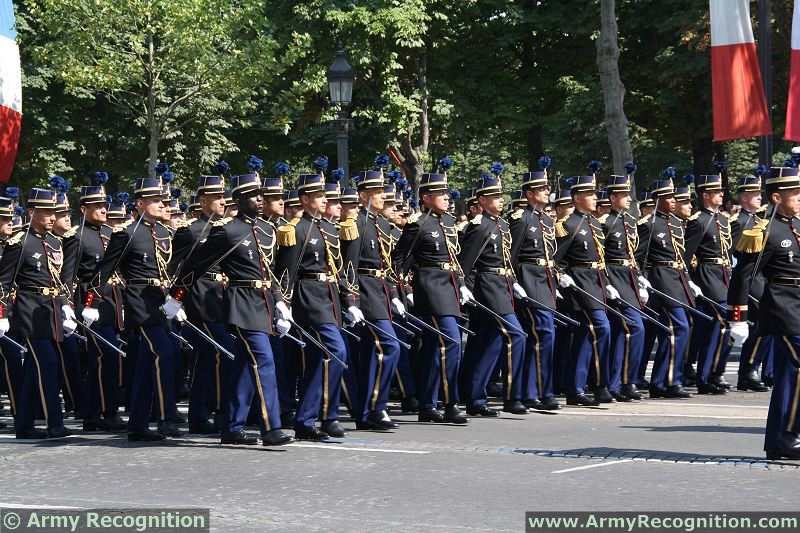 ecole officiers gendarmerie nationale armee francaise french army military parade 14 july juillet 20. Black Bedroom Furniture Sets. Home Design Ideas
