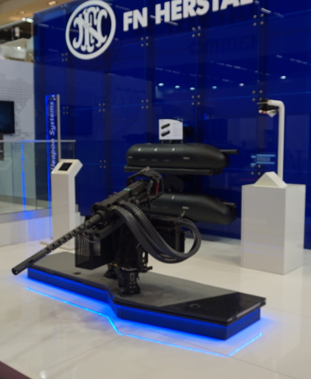 Eurosatory 2016 FN Herstal presents lightweight weapons mounting