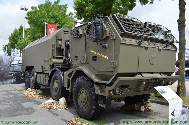 At Eurosatory 2016, the Cezch Company TATRA showcases its new brand new armoured four door cab for TATRA FORCE truck. When, in 2004, the Koprivnice truck maker introduced the T815-7 model range, it was evident by the cab design that emphasis was placed on additional ballistics protection for the crew. Even the excellent mobility features of TATRA vehicles cannot protect the crew against the danger of projectiles or improvised explosive systems.